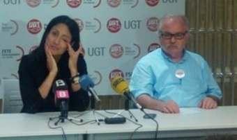 Ginés Díez, secretario General de la FECOHT con la representante de la patronal