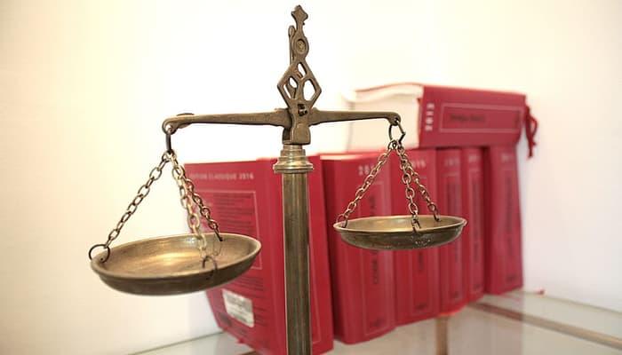 Balanza Justicia. Sentencia tribunal