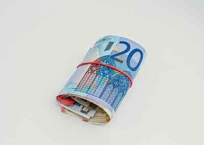 Imagen billetes euro. Tablas salariales oficinas y despachos tenerife