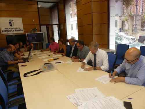 Firma convenio Comercio General Cuenca