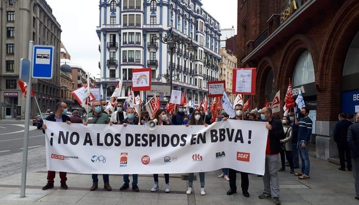 Manifestación contra el ERE de BBVA León