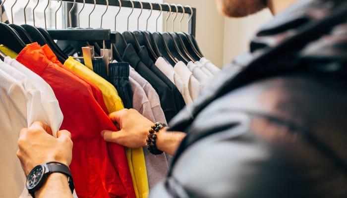 Imagen comercio textil ilustra acuerdo empleo en Inditex