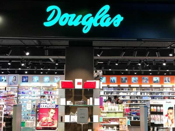 Tienda Douglas Madrid. Huelga