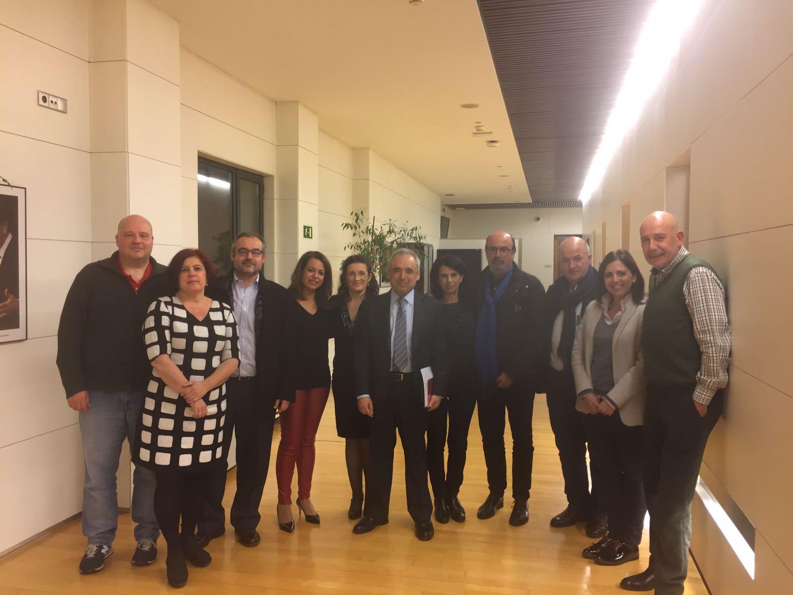 Integrantes de CCOO y UGT en el Congreso