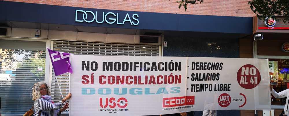 Acuerdo en Douglas perfumerias. Comercio