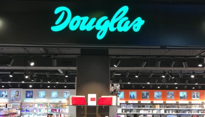 Tienda Douglas, perfumería, comercio