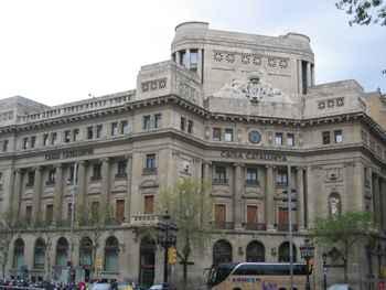 Edificio Catalunya Caixa. Sector financiero