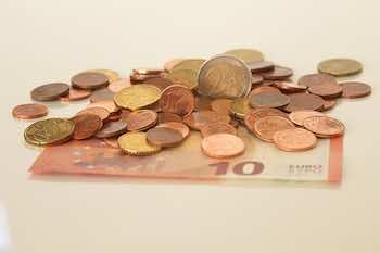 Dinero. Negociacion convenio financieras