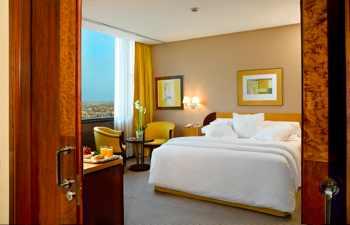 UITA y CCOO por un trabajo digno para las camareras de pisos en el sector hotelero