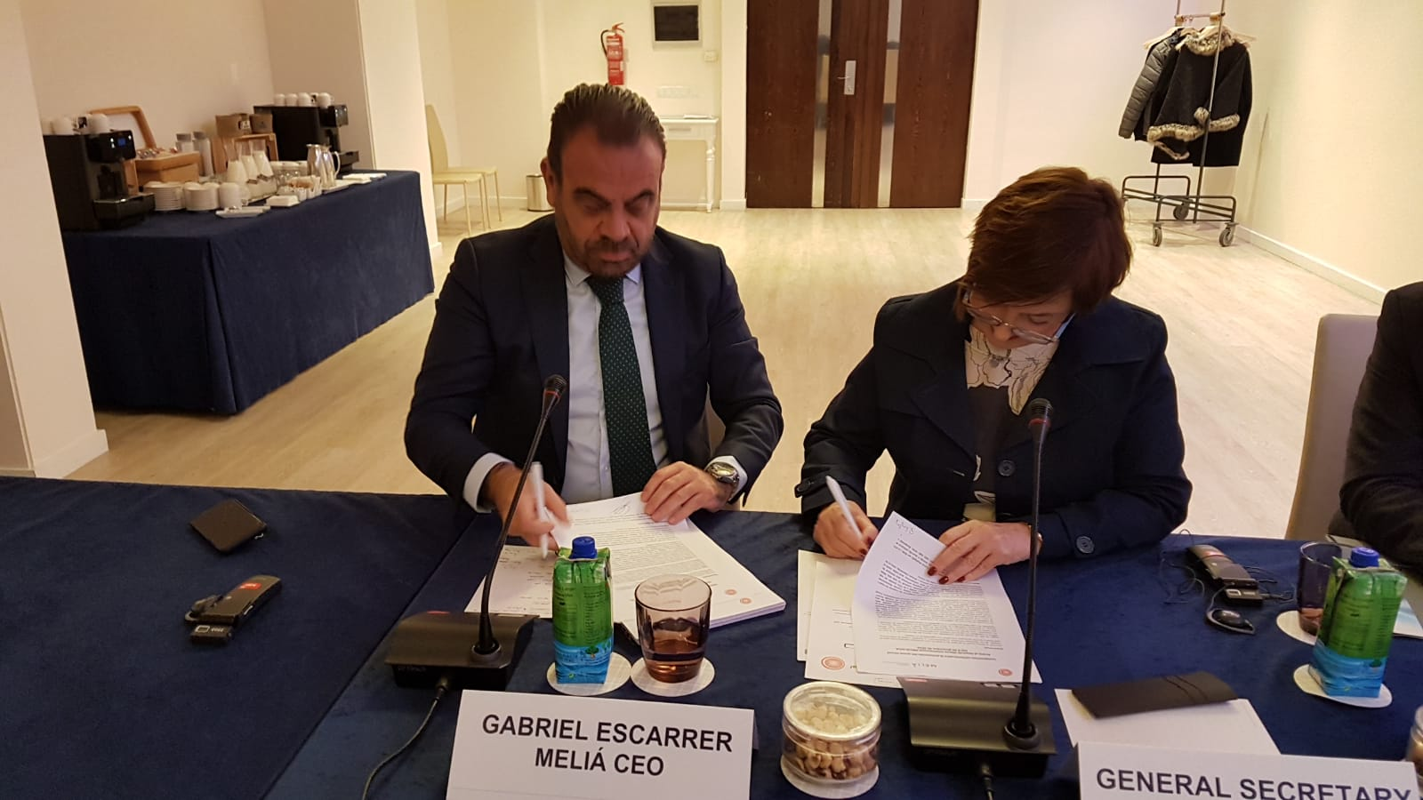 Firma acuerdo UITA MELIA