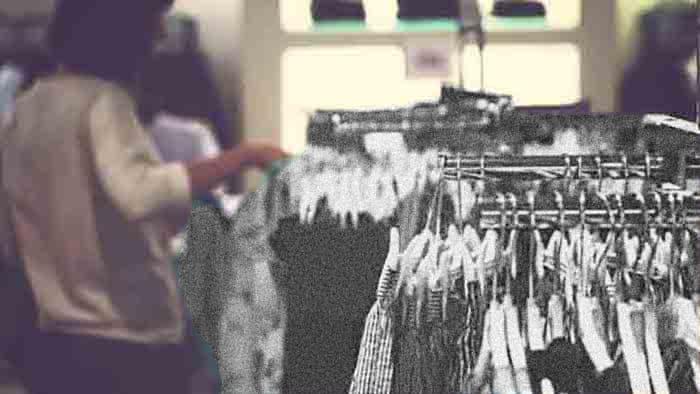Trabajadora comercio textil