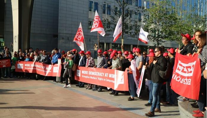 Democracia sen el trabajo, petición CES