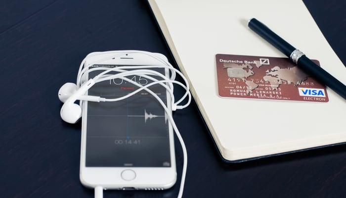 Telefono y tarjeta credito