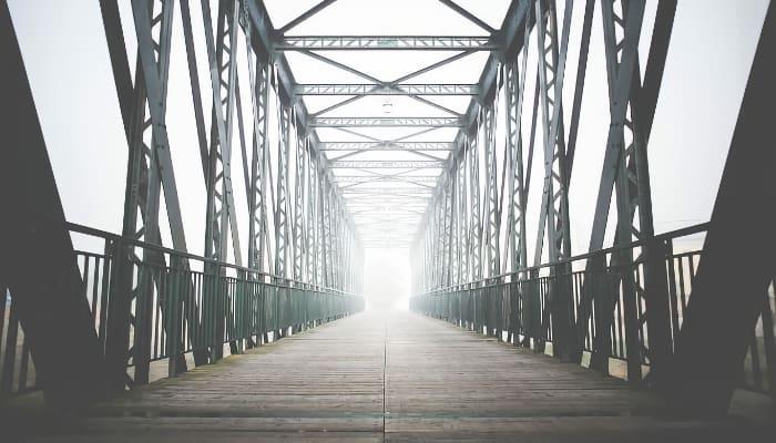 Luz al final del puente