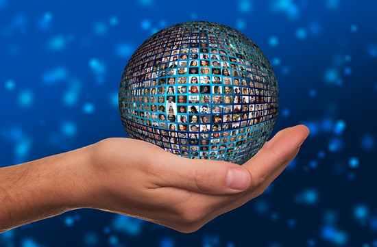 Redes sociales globales, empresas multiservicios