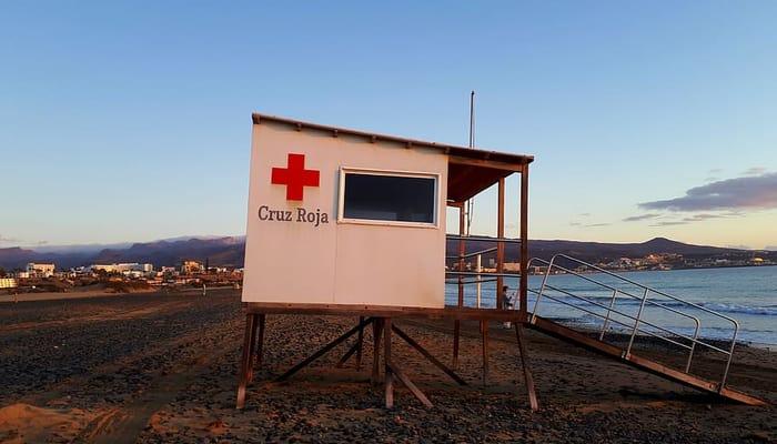 Caseta de la Cruz Roja en la playa