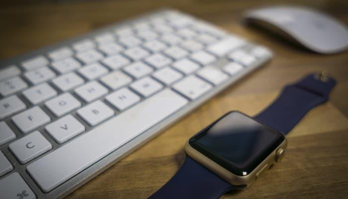Imagen tiempo de trabajo. Reloj y teclado
