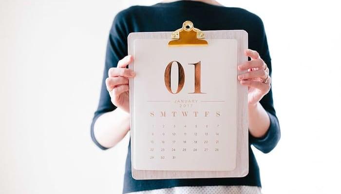 Imagen calendario ilustra negociaicón en seguros y mutuas
