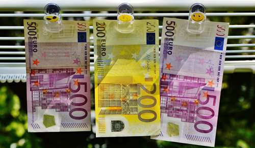 Dinero Euro. Gestión irregular