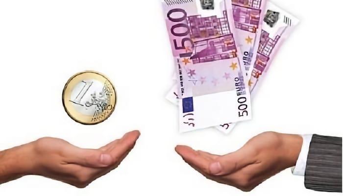 Euros en mano. Salario