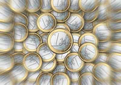 Monedas euros. Salario