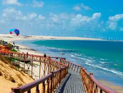playa y generadores eólicos