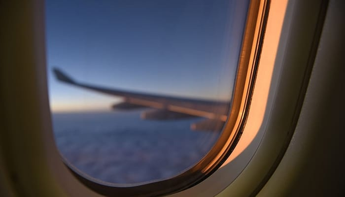 Ventana de viaje en avión